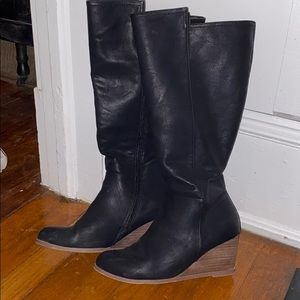 Knee high black boot wedges